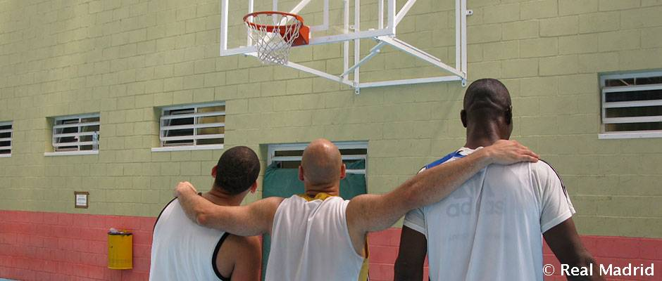 La Fundación Real Madrid visitó el centro penitenciario de Navalcarnero