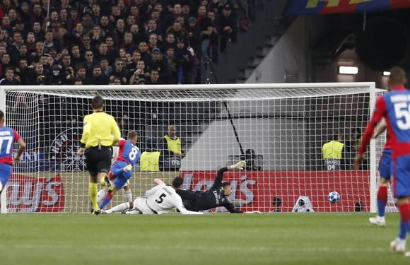 #CrónicaReal | Los palos frenan a un frío Madrid en Moscú (1-0)