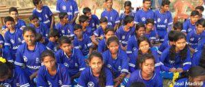 La escuela deportiva de la Fundación Real Madrid en Calcuta, protagonista