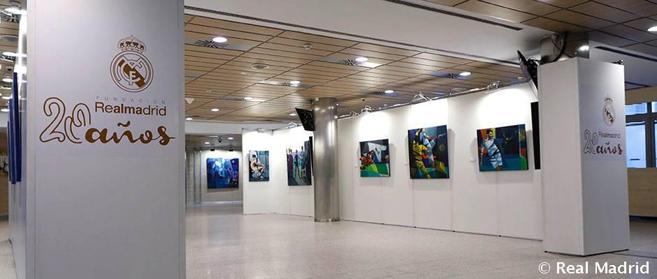 La Fundación Real Madrid presentó 'Una exposición con alma', del pintor Juan López