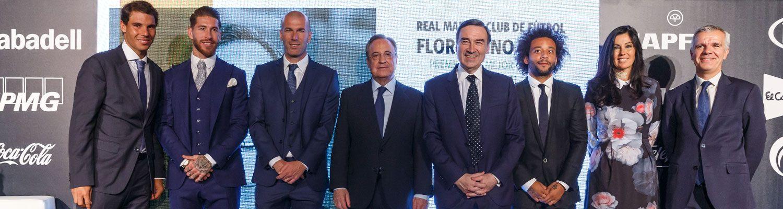 Florentino Pérez, galardonado en los Premios Los Leones 2017 de 'El Español'