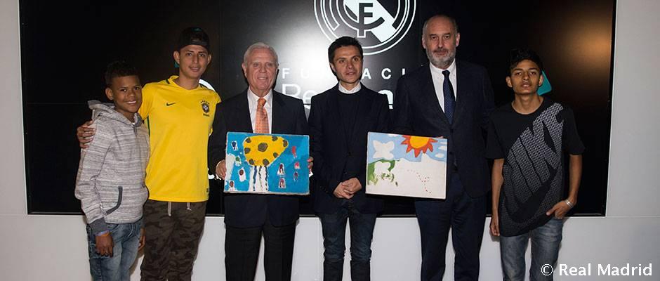 Firma Fundación Cecilia Rivadeneira La Fundación Cecilia Rivadeneira renueva su colaboración para Ecuador con la Fundación Real Madrid