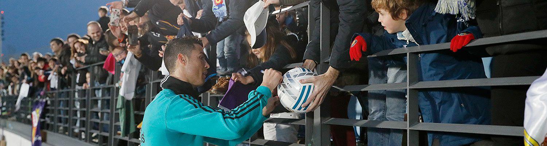La afición llenó el Di Stéfano para despedir un año histórico