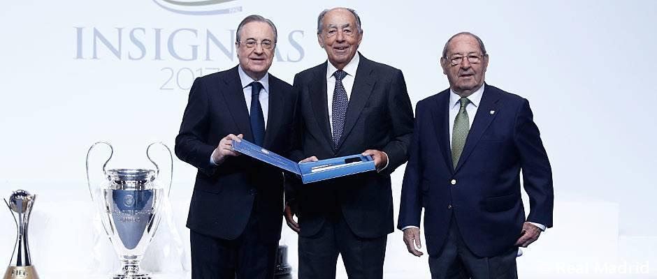 Entrega de insignias 2017 El Real Madrid entregó 2.098 insignias