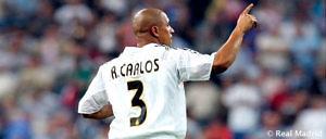 Roberto Carlos, durante un partido del Real Madrid en el Bernabéu