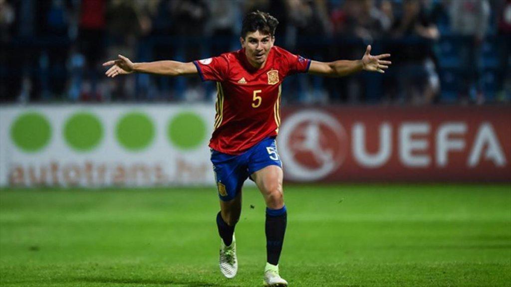 Victor Chust, vistiendo la camiseta de la Selección Española