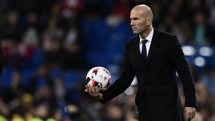 Zinedine Zidane, el entrenador del Real Madrid, durante un partido de su equipo