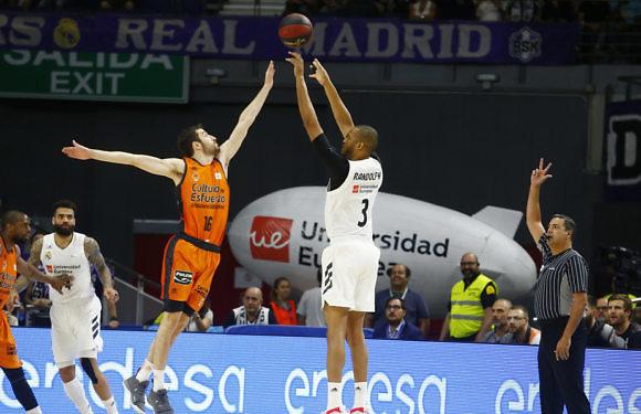 PlayOffs ACB | Randolph destroza al Valencia Basket (94-72)