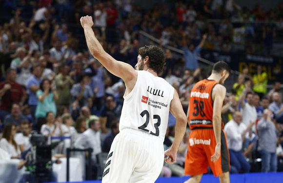 PlayOffs ACB | El Madrid coloca el 2-0 con un Llull desatado (79-66)