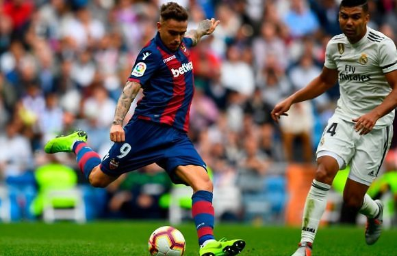 In the morning, without midfielders, at the Santiago Bernabeu against Levante