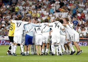 celebracion real madrid supercopa españa 2008 bernabeu valencia