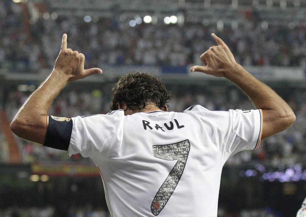 raul gonzalez blanco 7 real madrid homenaje
