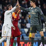 sergio ramos thibaut courtois real madrid defensa