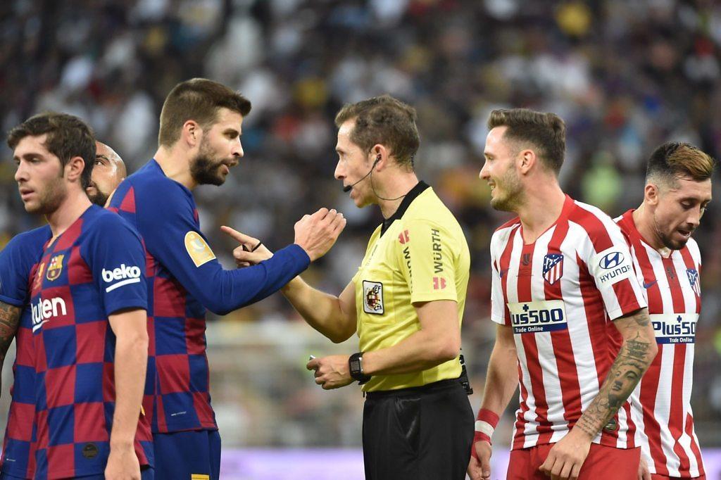 gerard piqué protestas árbitros saul atleti barcelona supercopa 2020