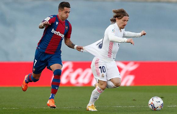 Crónica Real | Sigue la caída libre en la liga (1-2)