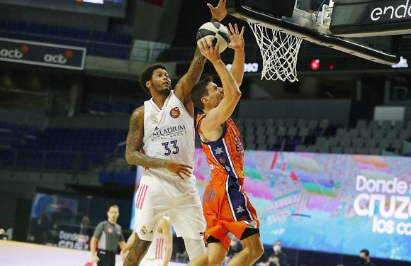 Copa ACB | Deck y Thompkins no dan opción (85-74)