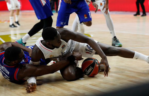 Euroliga | El playoff se decidirá en Estambul (82-76)